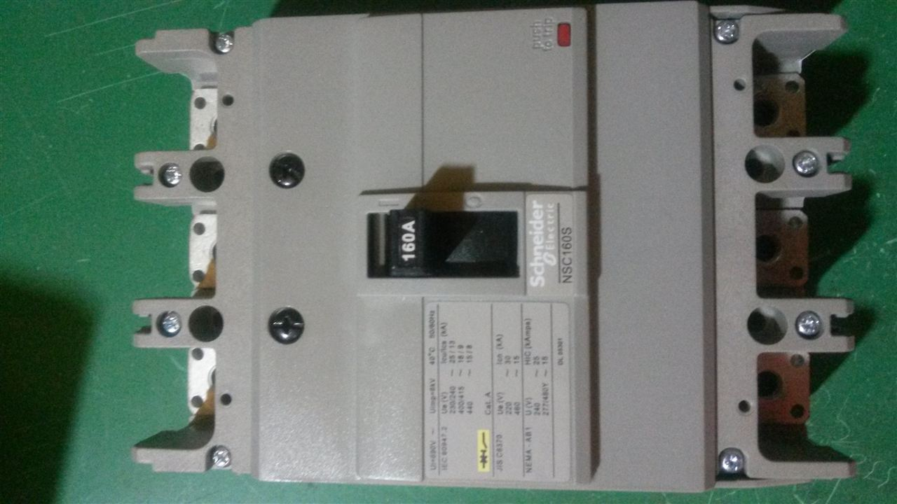 『高仿』施耐德断路器ezd-400m/3p